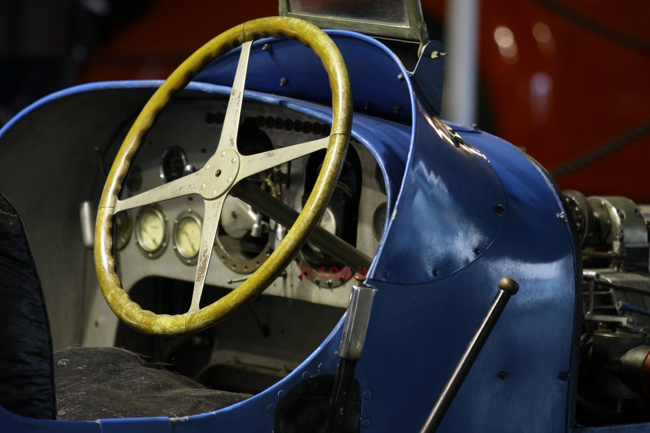 verona-legend-cars-2015-bugatti-type-45-16-cylinders-0-100-3