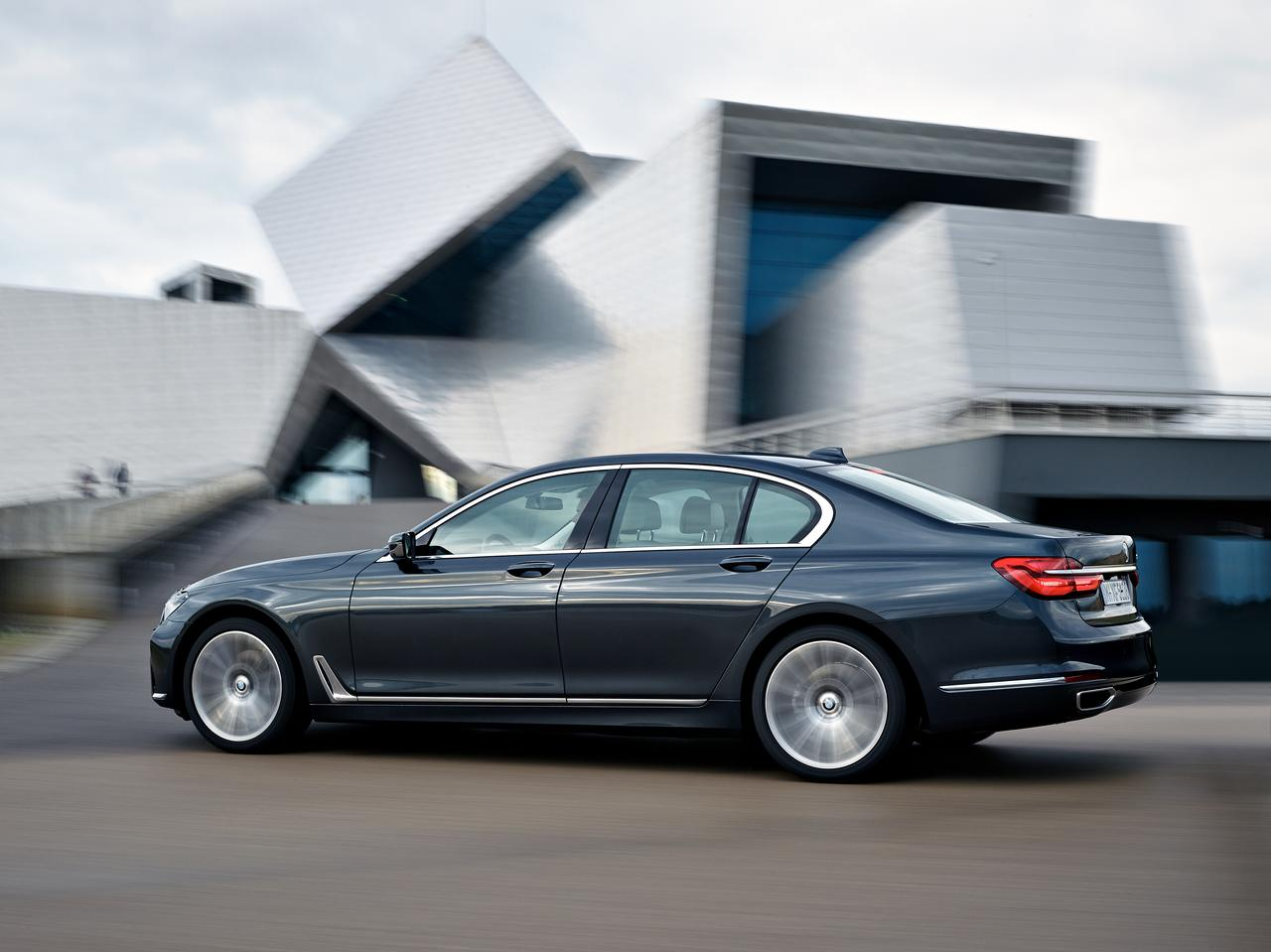 BMW-Serie-7-730d-prezzo-price-0-100_3