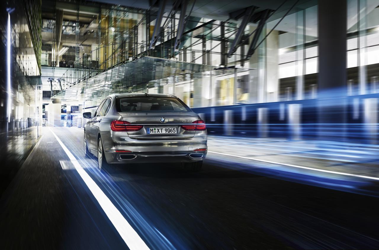BMW-Serie-7-740Le-prezzo-price-0-100_2