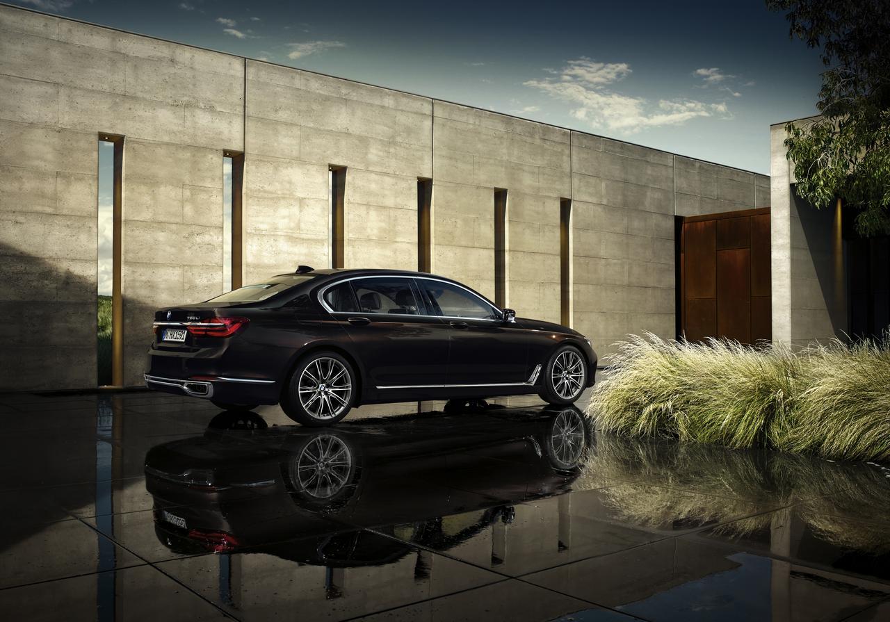 BMW-Serie-7-750Li-xDrive-Individual-prezzo-price-0-100_2