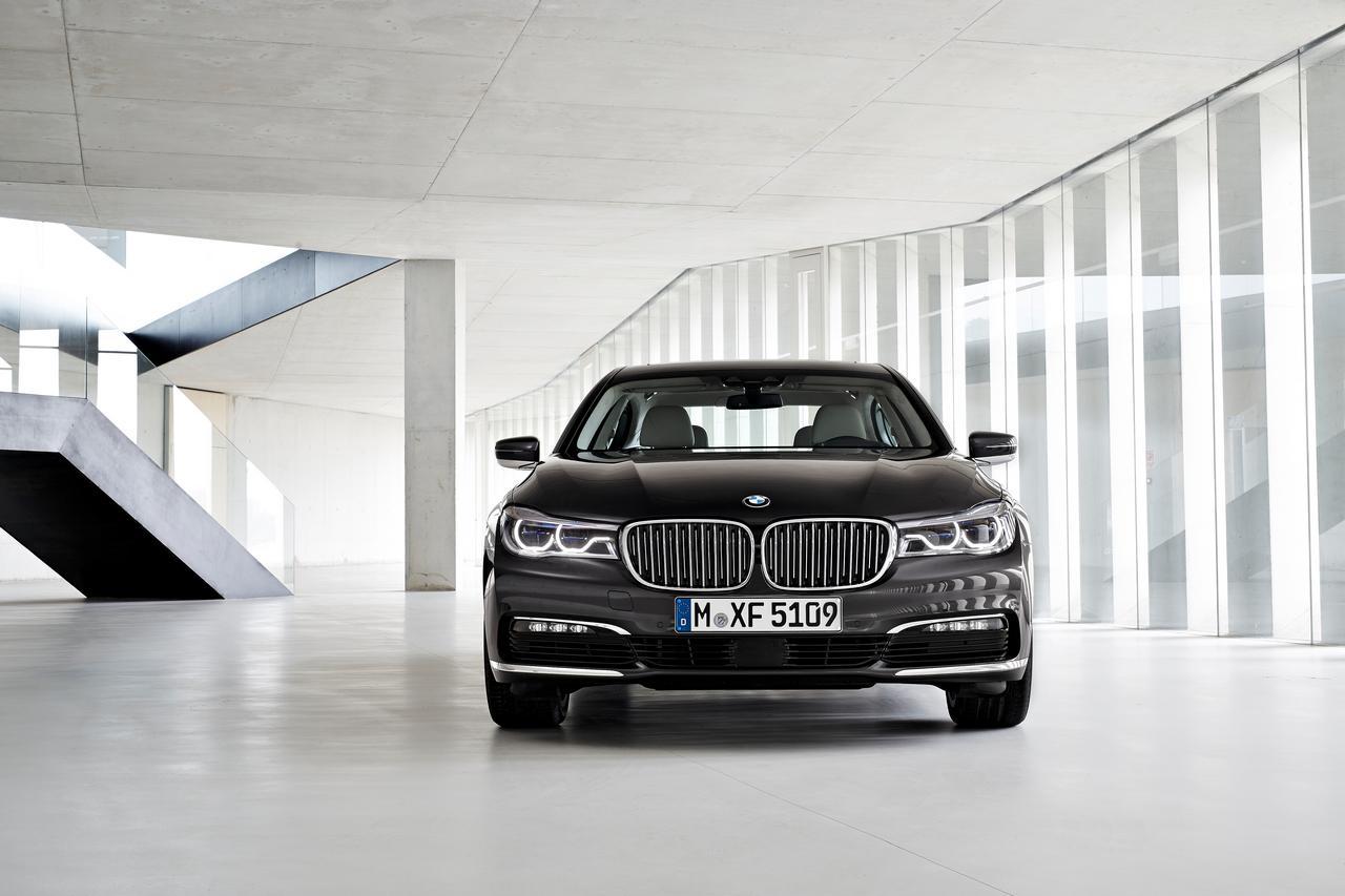BMW-Serie-7-750Li-xDrive-prezzo-price-0-100_14