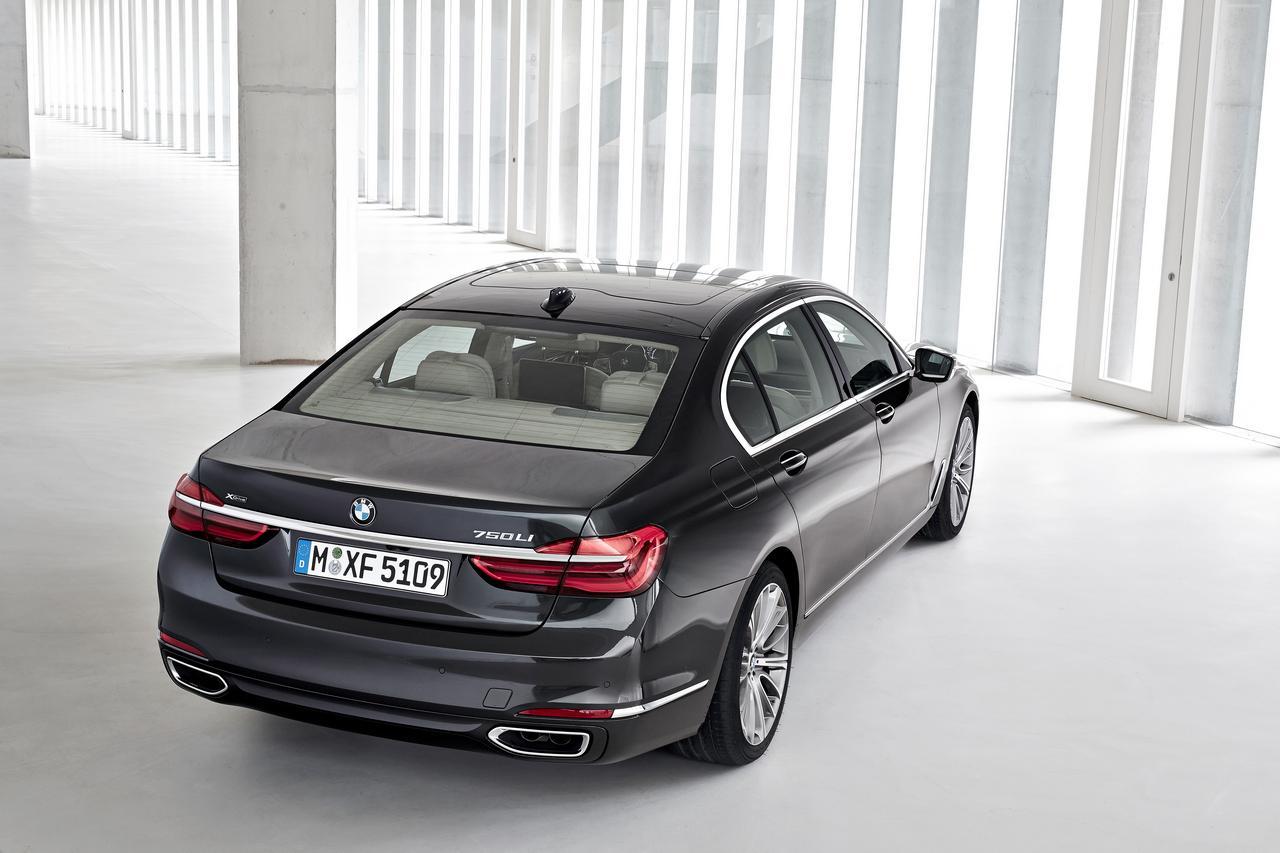 BMW-Serie-7-750Li-xDrive-prezzo-price-0-100_17