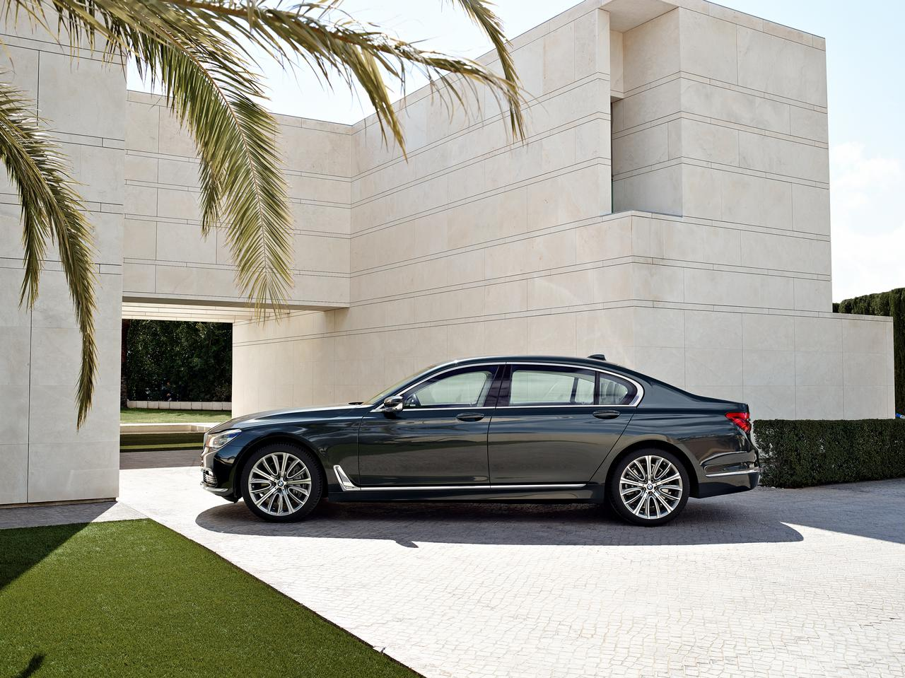 BMW-Serie-7-750Li-xDrive-prezzo-price-0-100_19