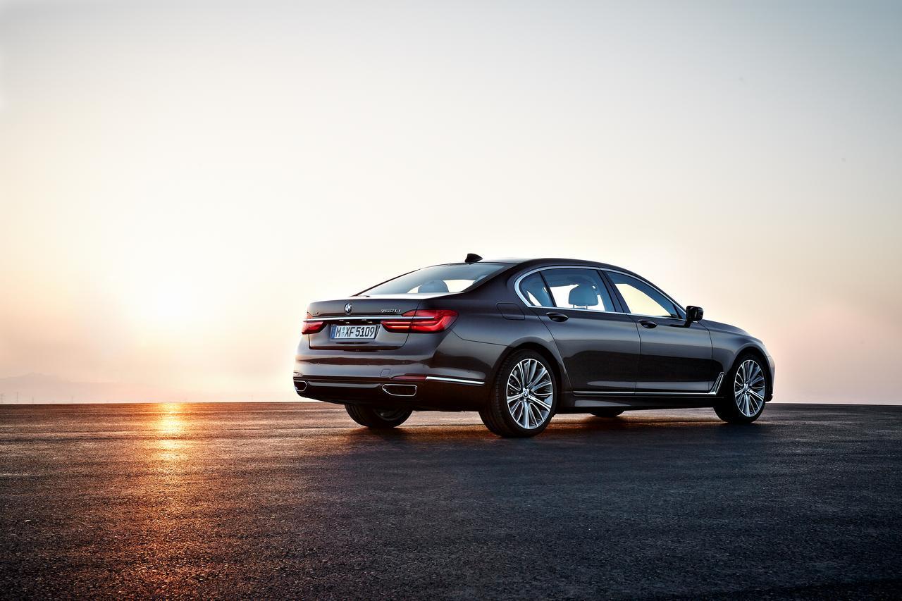BMW-Serie-7-750Li-xDrive-prezzo-price-0-100_7