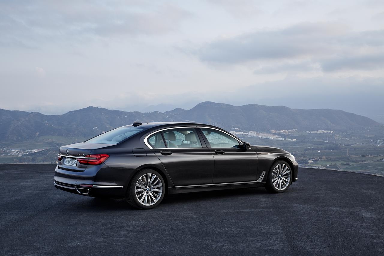 BMW-Serie-7-750Li-xDrive-prezzo-price-0-100_9
