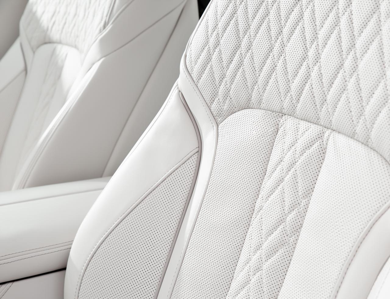 BMW-Serie-7-abitacolo-cockpit-prezzo-price-0-100_2