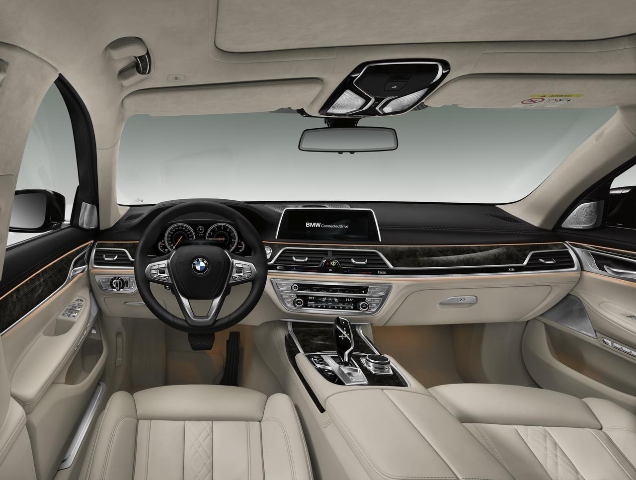 BMW-Serie-7-abitacolo-cockpit-prezzo-price-0-100_9
