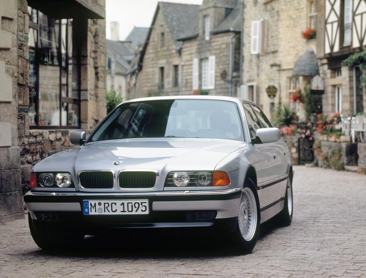 BMW-Serie-7-storia-history-prezzo-price-0-100_3