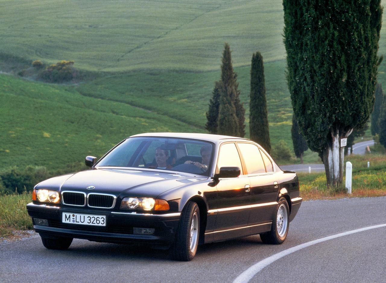 BMW-Serie-7-storia-history-prezzo-price-0-100_9