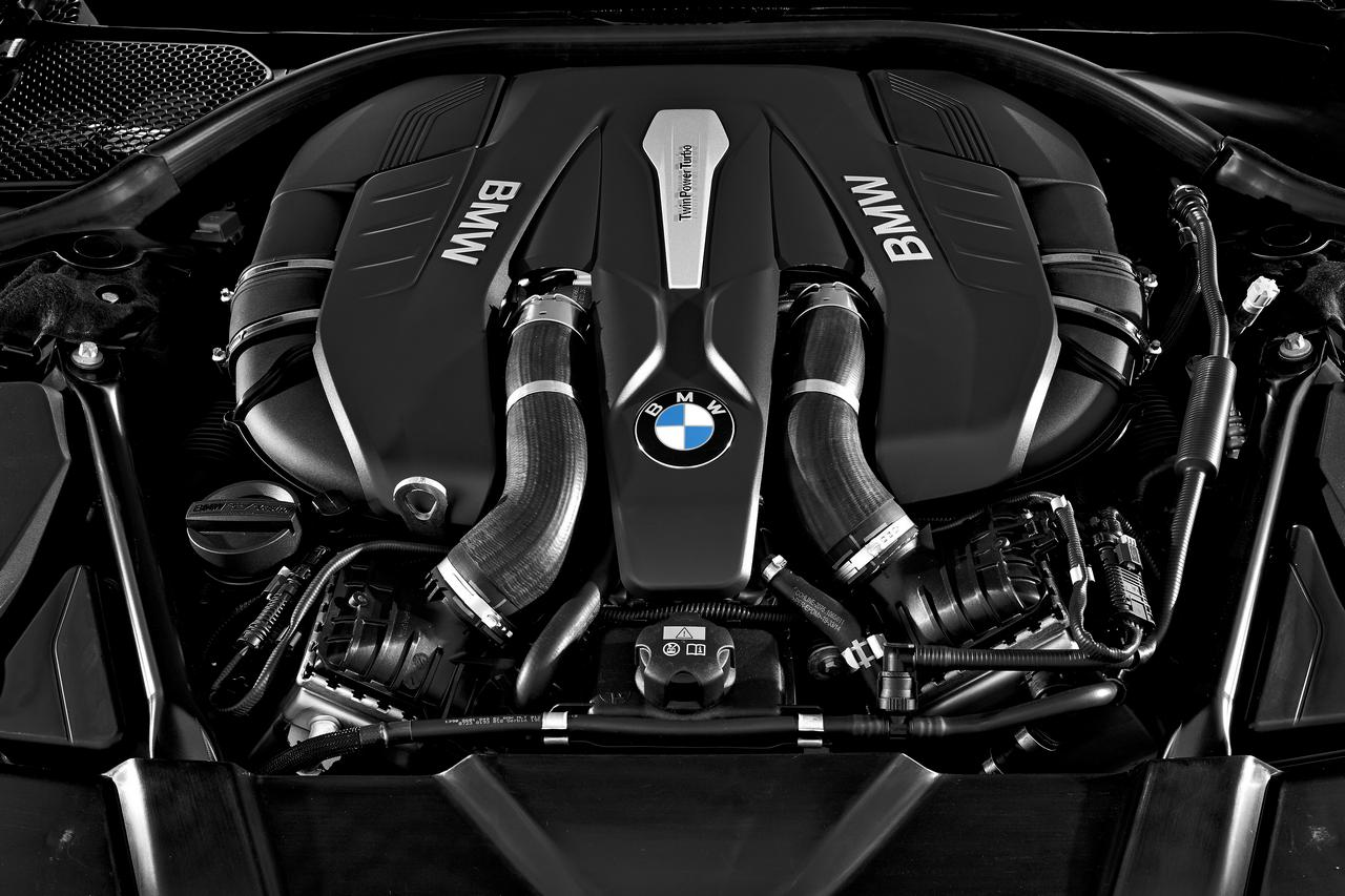 BMW-Serie-7-tecnologia-prezzo-price-0-100_2