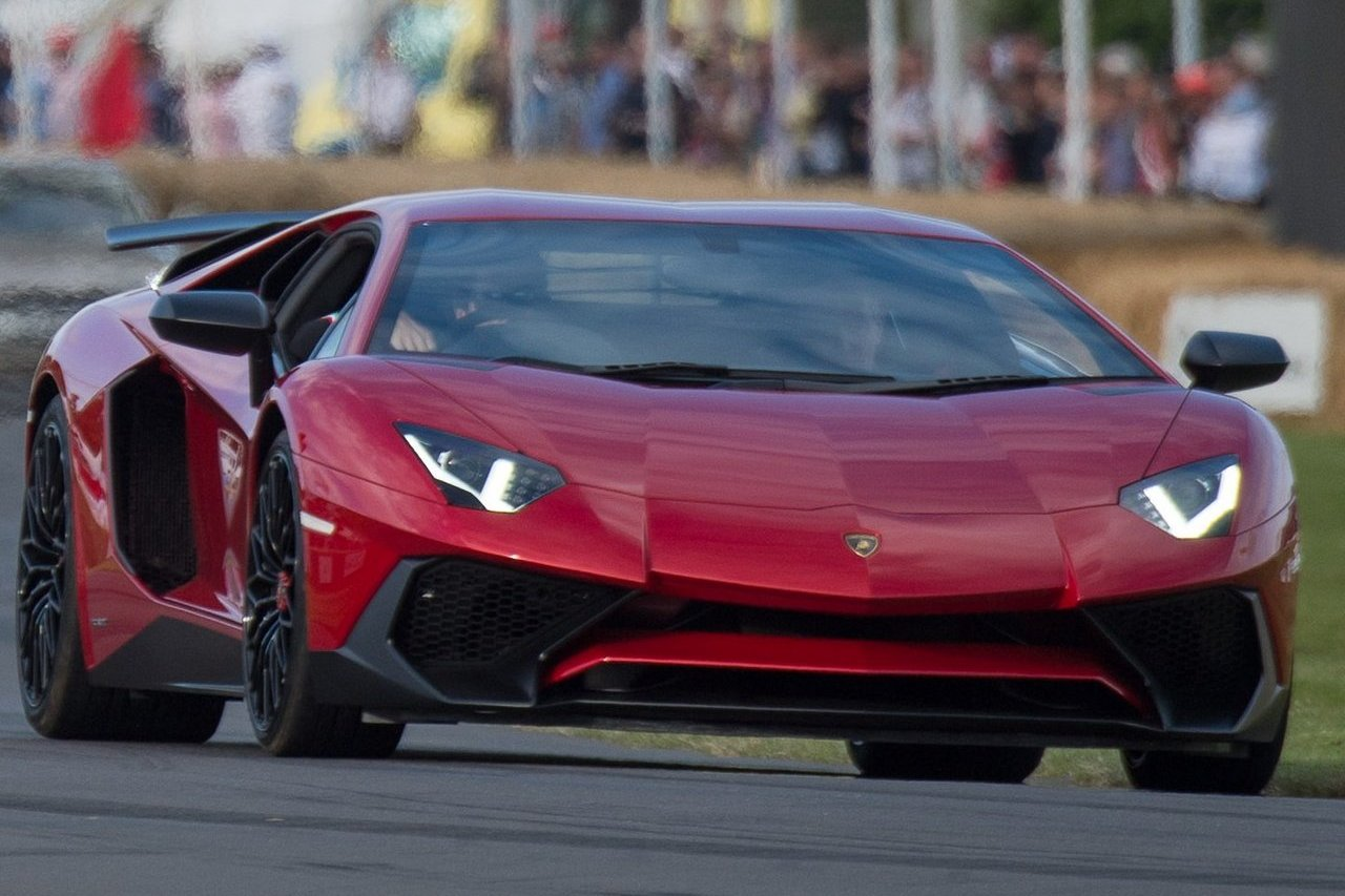 Lamborghini Aventador Superveloce and Huracán at Goodwood Festival rtertof Speed 2015