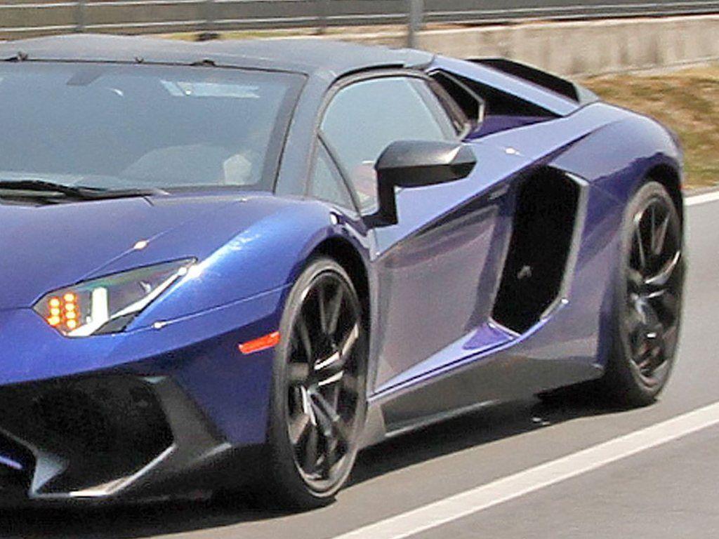 Lamborghini-Aventador-LP750-4-Superveloce-SV-Roadster_6