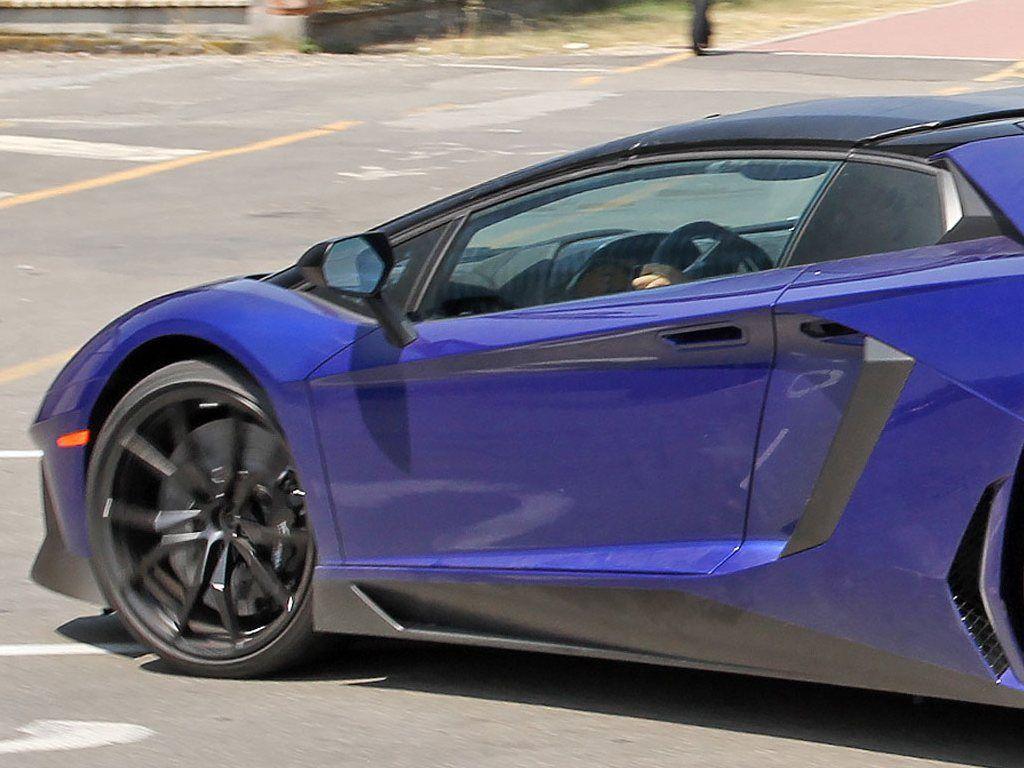 Lamborghini-Aventador-LP750-4-Superveloce-SV-Roadster_8