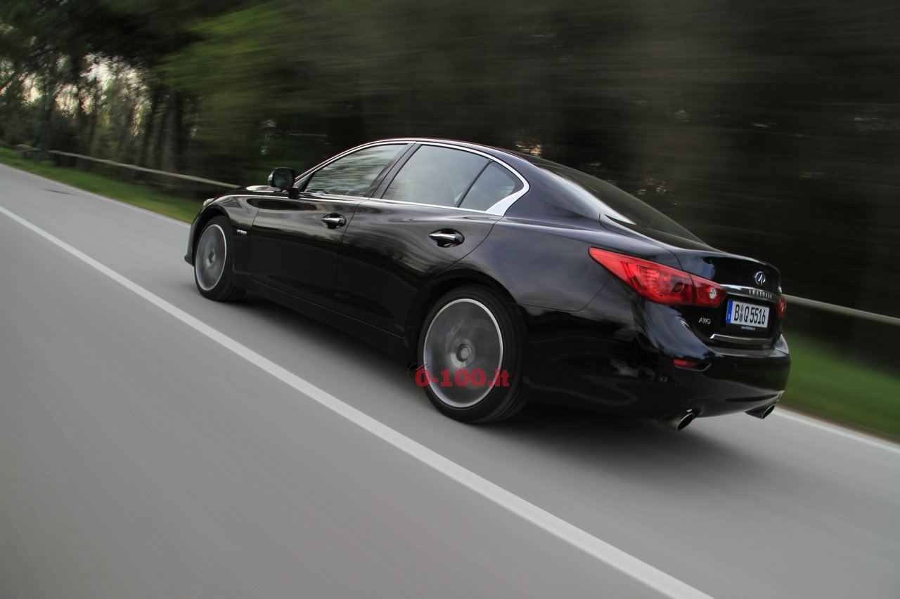 infiniti-q50-s-hybrid-test-drive-driving-impressions-0-100-3