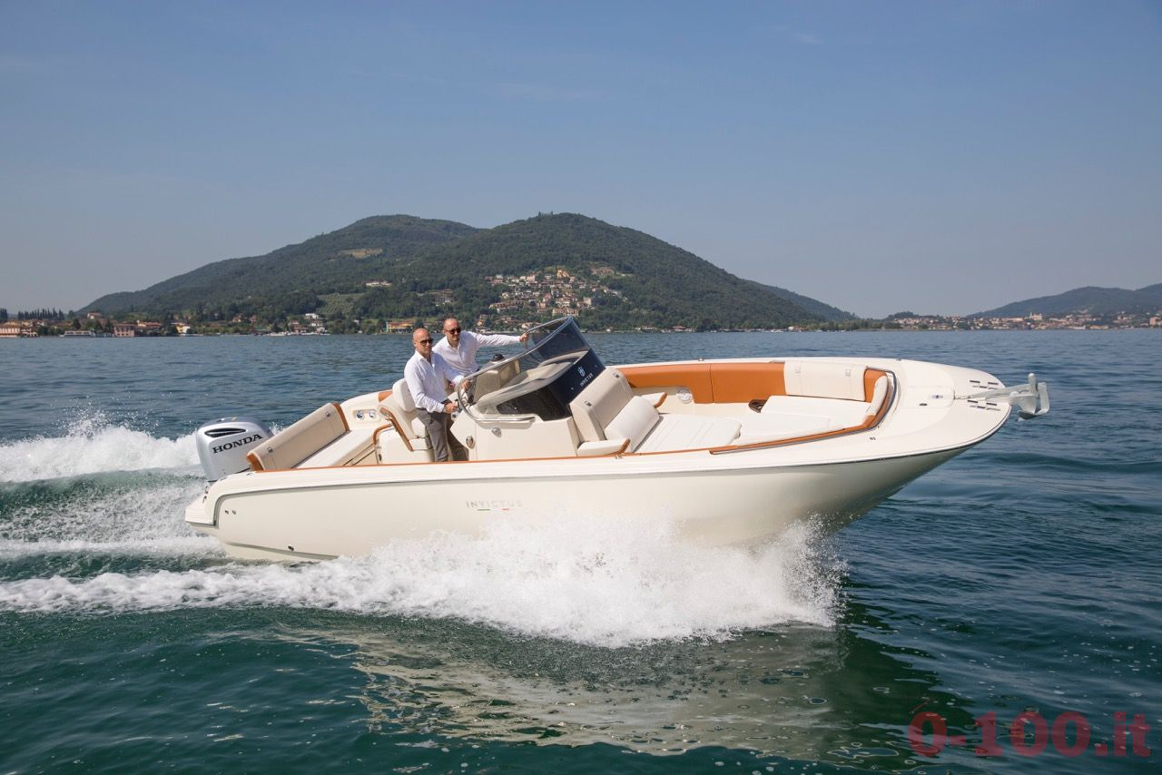invictus-yacht-270fx-christian-grande-cannes-yachting-festival-2015_0-1001