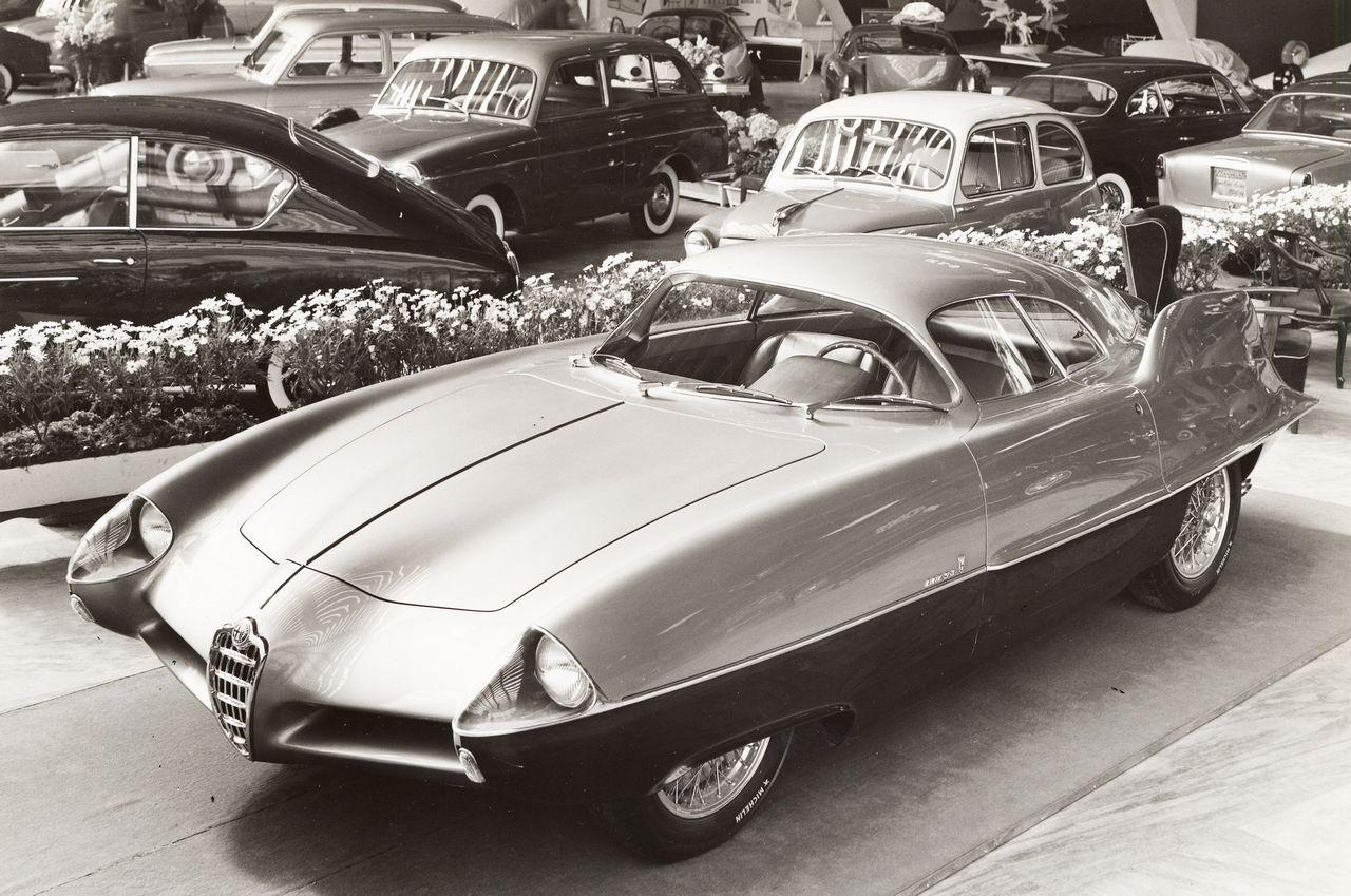 1955_Bertone_Alfa-Romeo_BAT-0-100