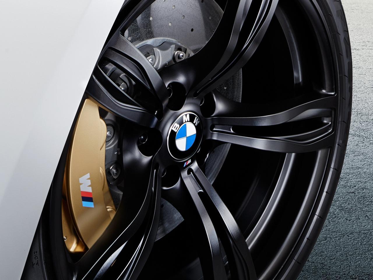 BMW-M6-COMPETITION-frankfurt-iaa-prezzo-2015_0-100_6
