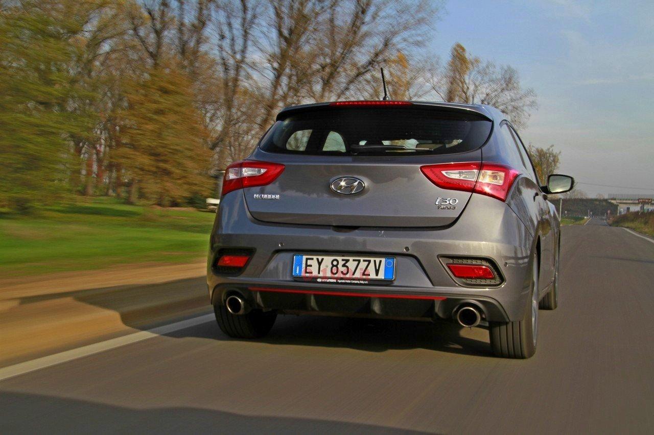 hyundai-i30-turbo-impressioni-test-drive-prova-strada-prezzo-price_0-100_12