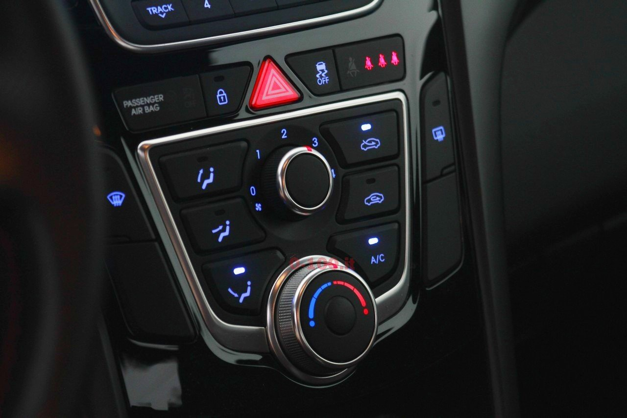 hyundai-i30-turbo-impressioni-test-drive-prova-strada-prezzo-price_0-100_42