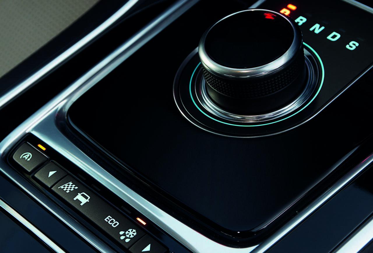 jaguar-xe-AWD-trazione-integrale_0-100_14