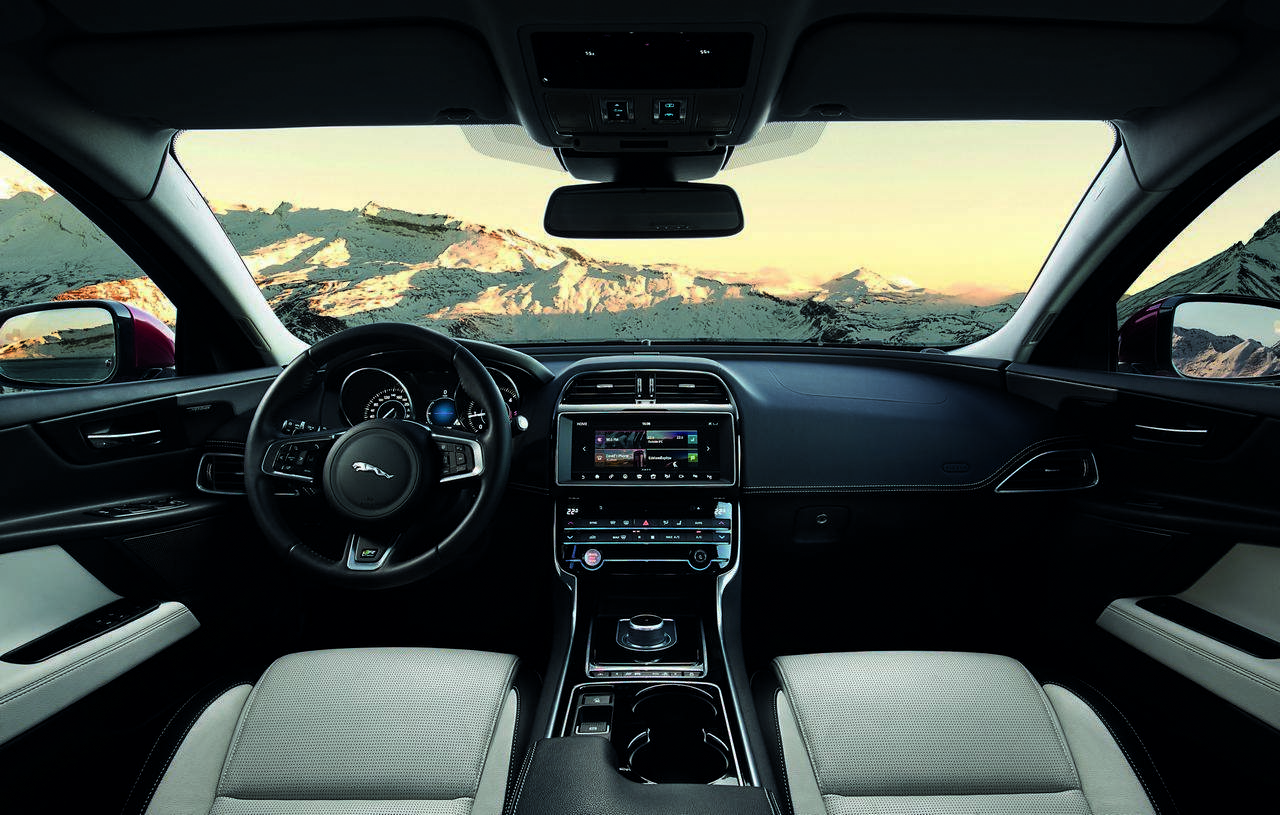 jaguar-xe-AWD-trazione-integrale_0-100_15