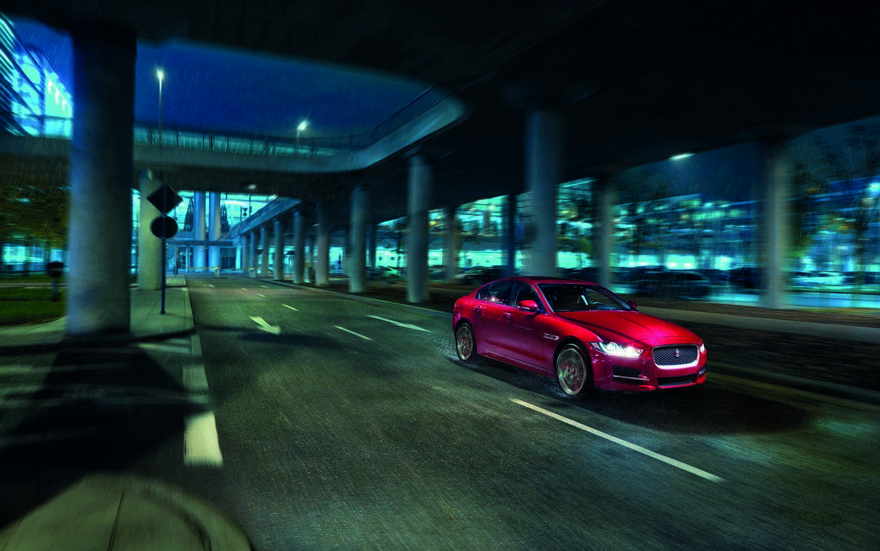 jaguar-xe-AWD-trazione-integrale_0-100_6