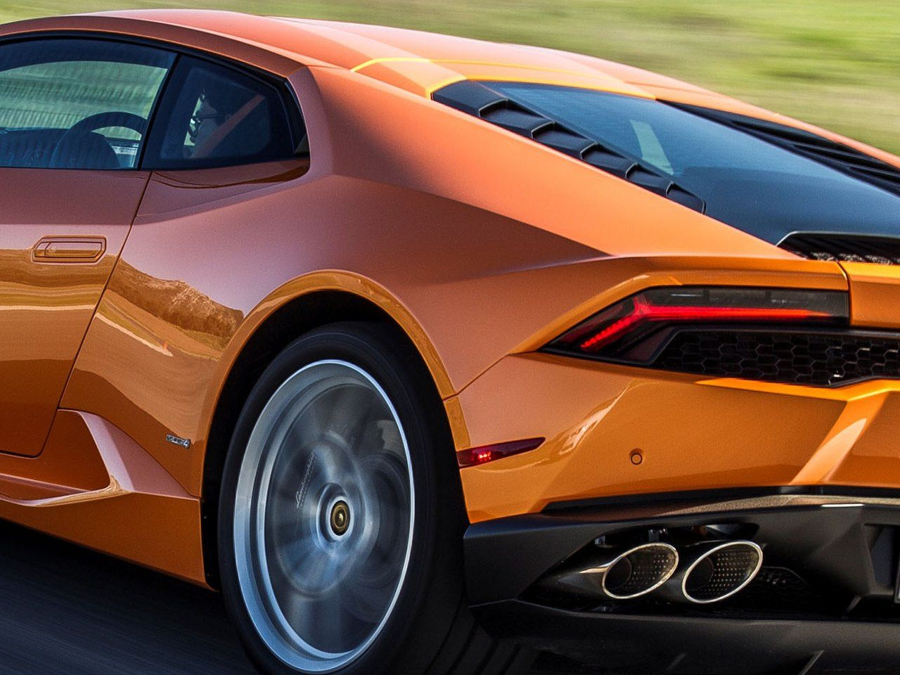 novita-lamborghini-huracan-lp610-4-model-year-2016_0-100_4