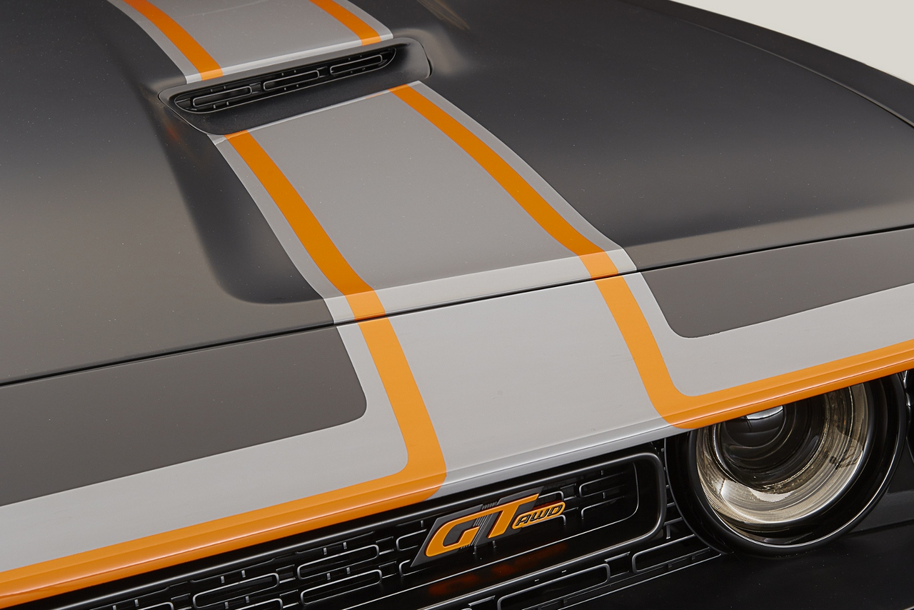 sema-2015-dodge-challenger-gt-awd-concept_0-100_13