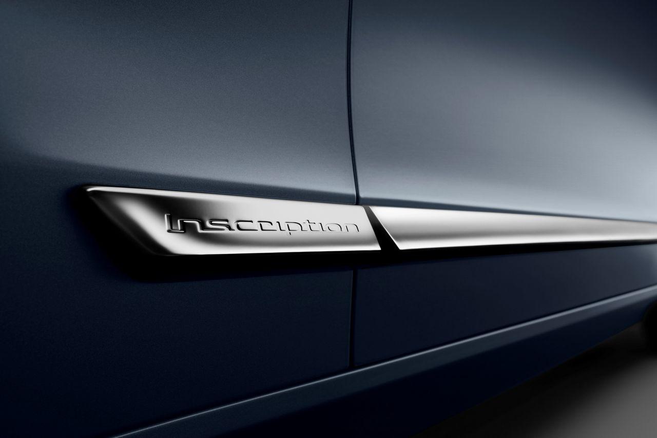 Detail Inscription Volvo S90 Mussel Blue