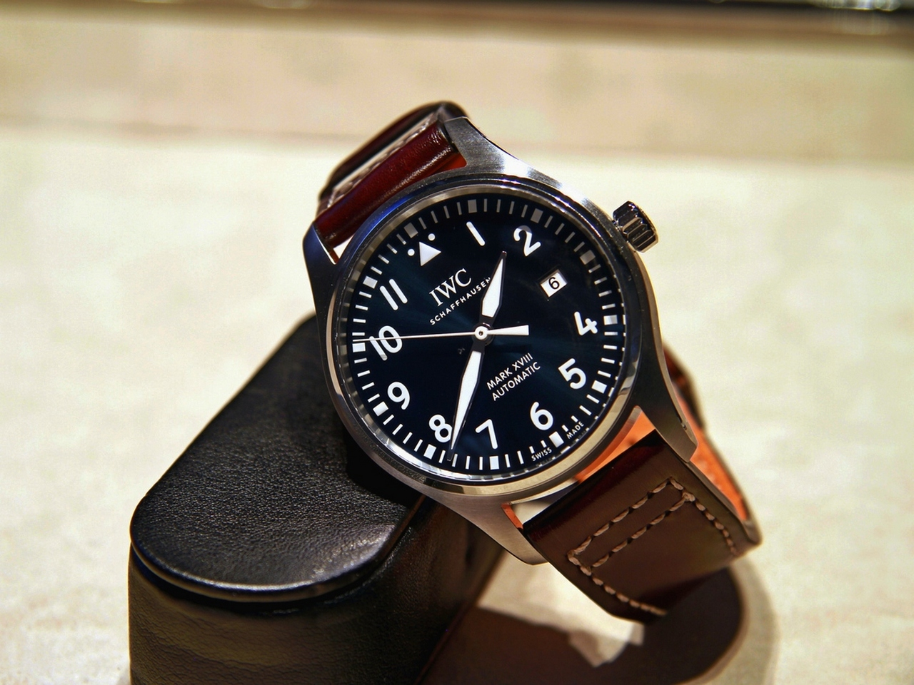IWC-Pilot-Watch-Mark-XVIII-Edition-Le-Petit-Prince-Ref-IW327004_2