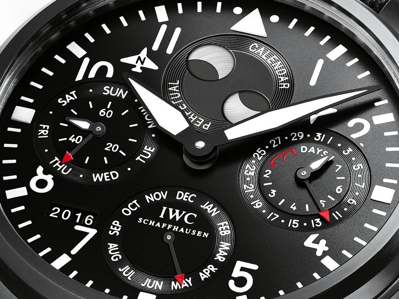 SIHH-2016-IWC-Big-Pilot-Watch-Perpetual-Calendar-TOP-GUN-IW502902-0-100_3