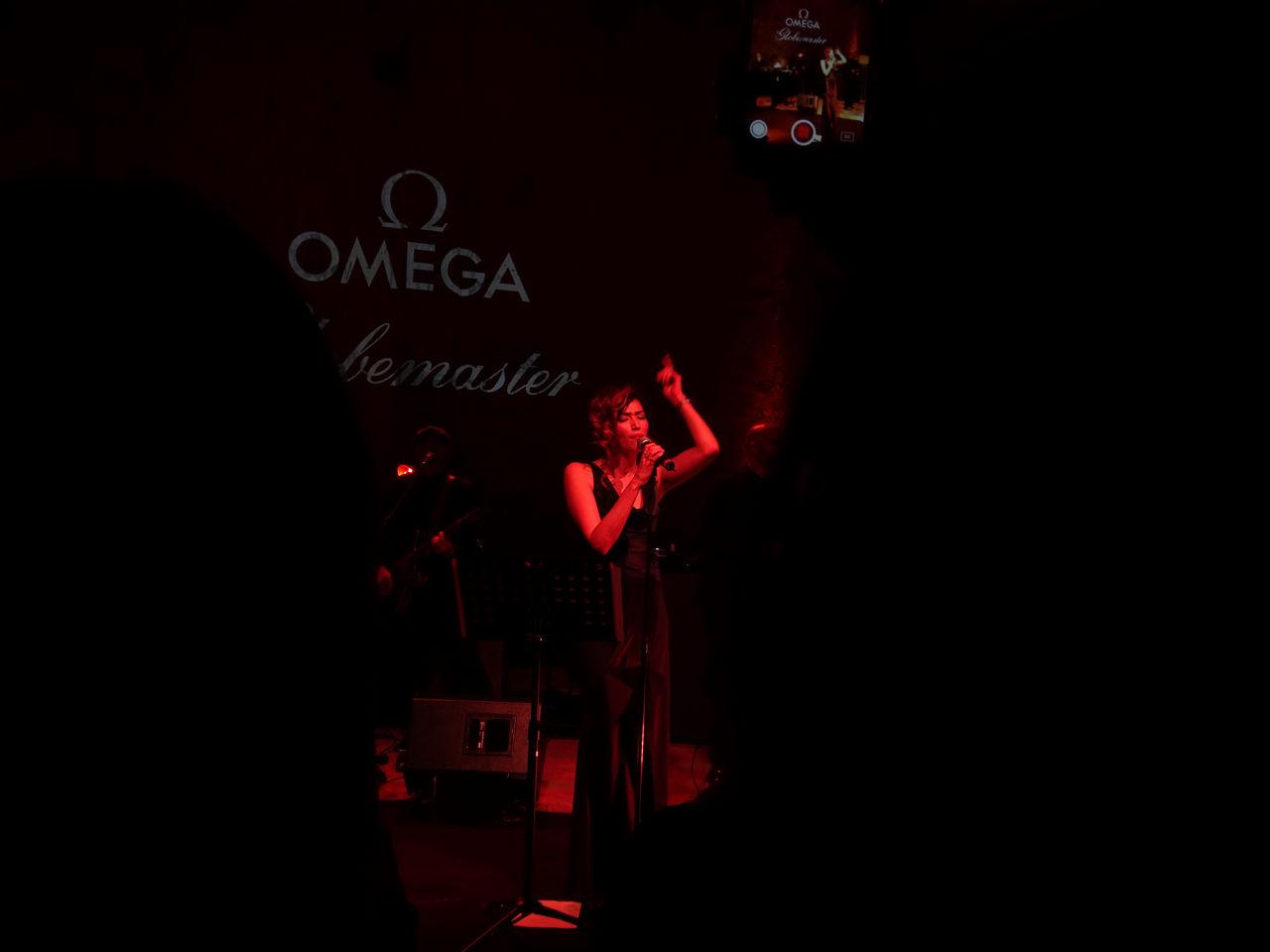 omega-presenta-la-collezione-globemaster-cracco-nina-zilli-milano-metas_0-1006