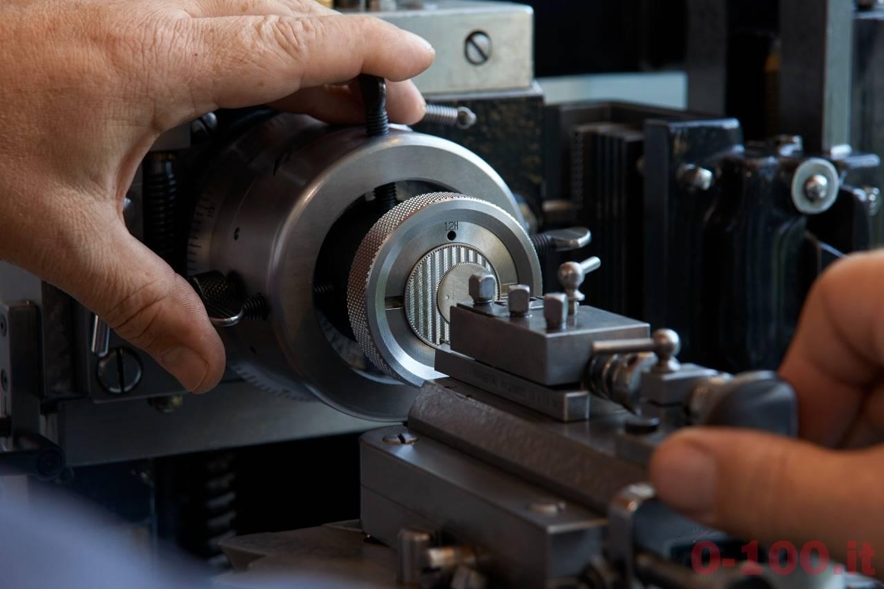 Guillochage Elégance Sartoriale chevron montre P90751.2