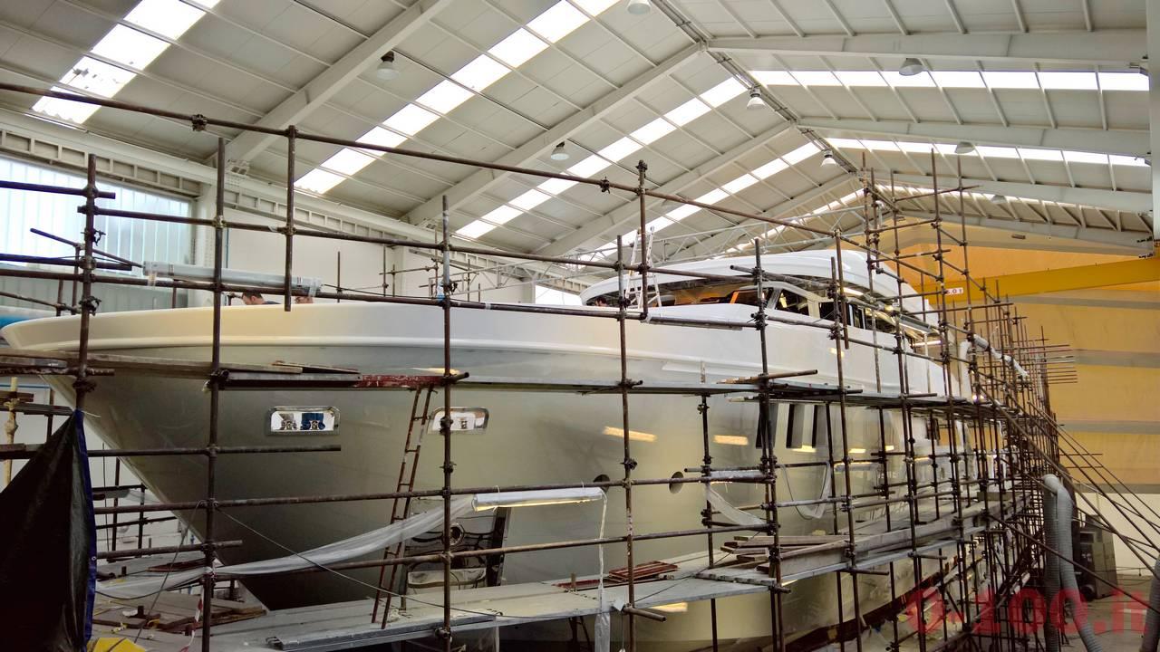 anteprima-mondiale-al-monaco-yacht-show-2016-otam-custom-range-sd35-35mt-my-gipsy-prezzo-price_0-1001 (2)