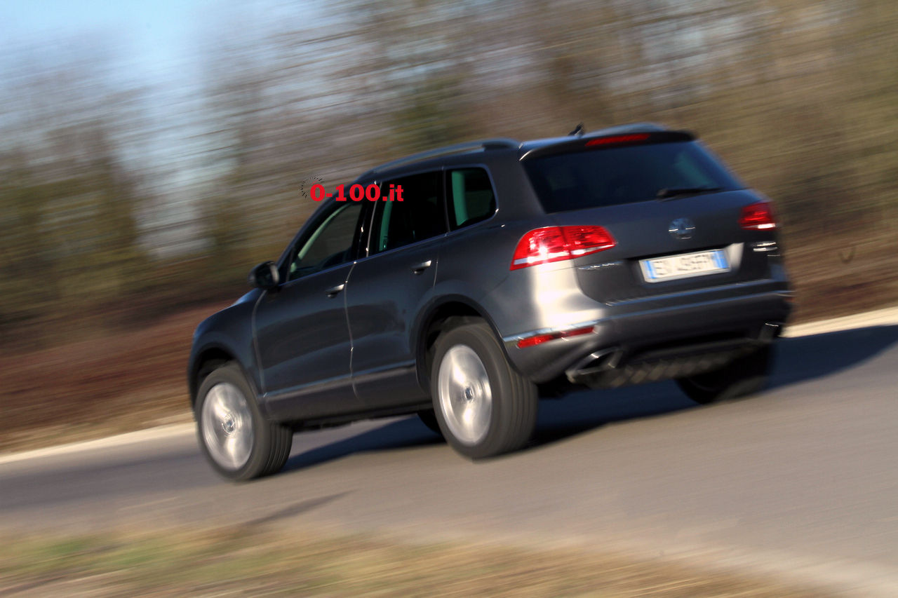 volkswagen-touareg-3000-v6-tdi-test-drive-impressioni-prova-su-strada_0-100_16