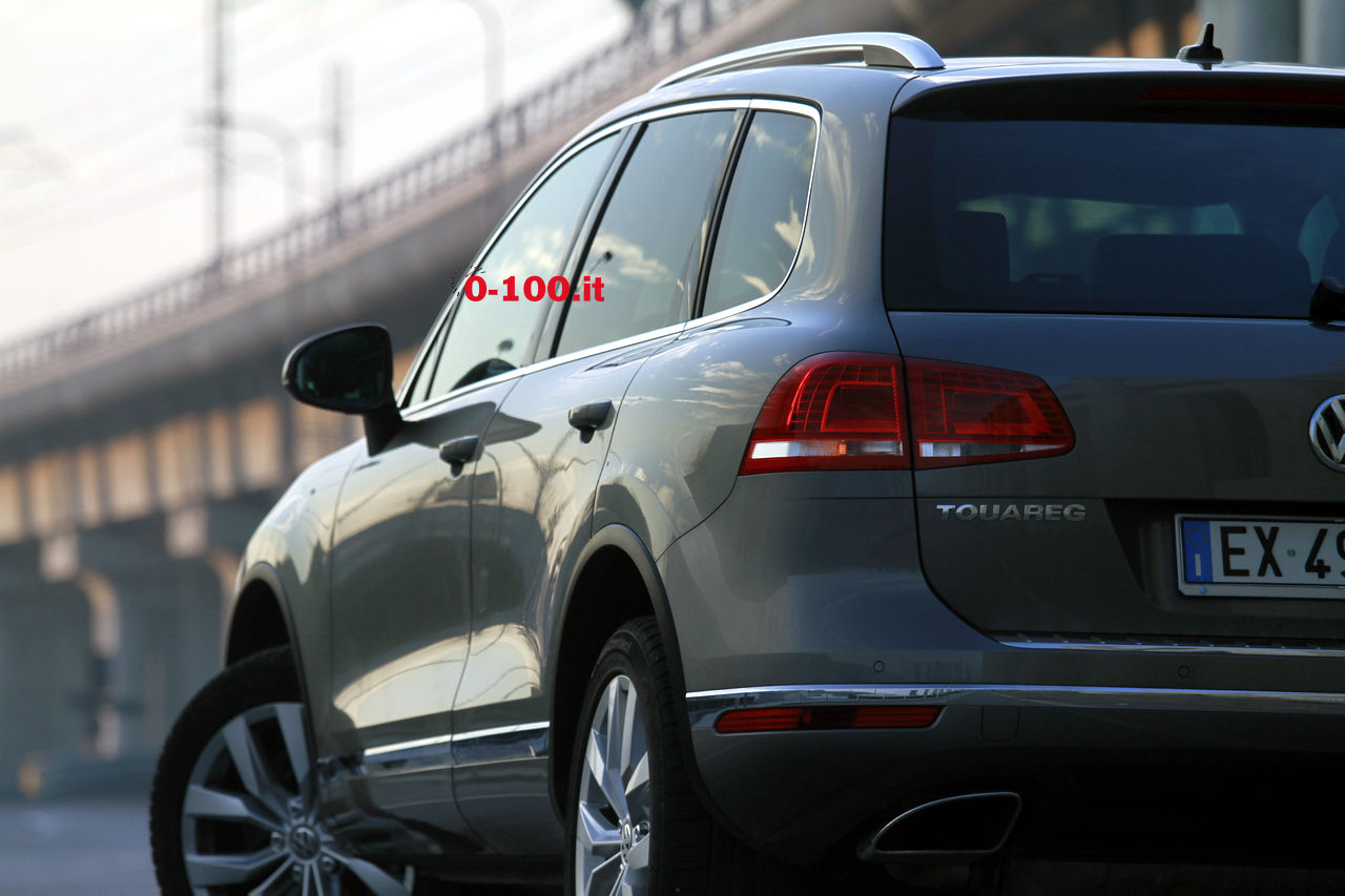 volkswagen-touareg-3000-v6-tdi-test-drive-impressioni-prova-su-strada_0-100_26