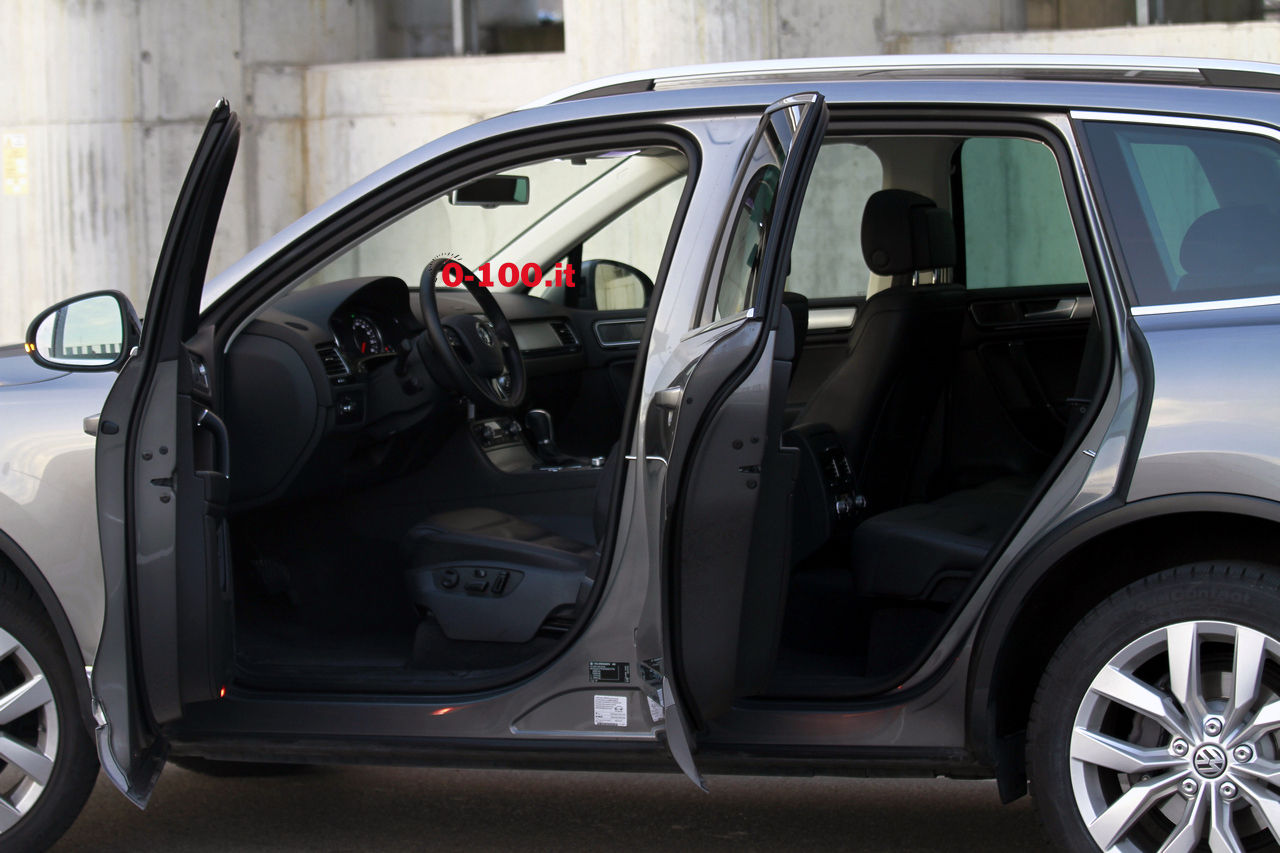 volkswagen-touareg-3000-v6-tdi-test-drive-impressioni-prova-su-strada_0-100_27