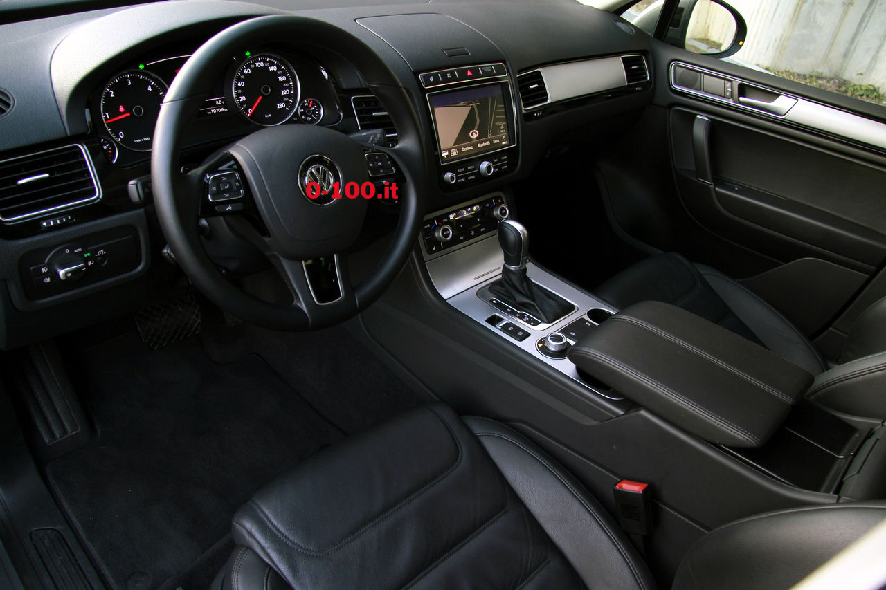 volkswagen-touareg-3000-v6-tdi-test-drive-impressioni-prova-su-strada_0-100_30