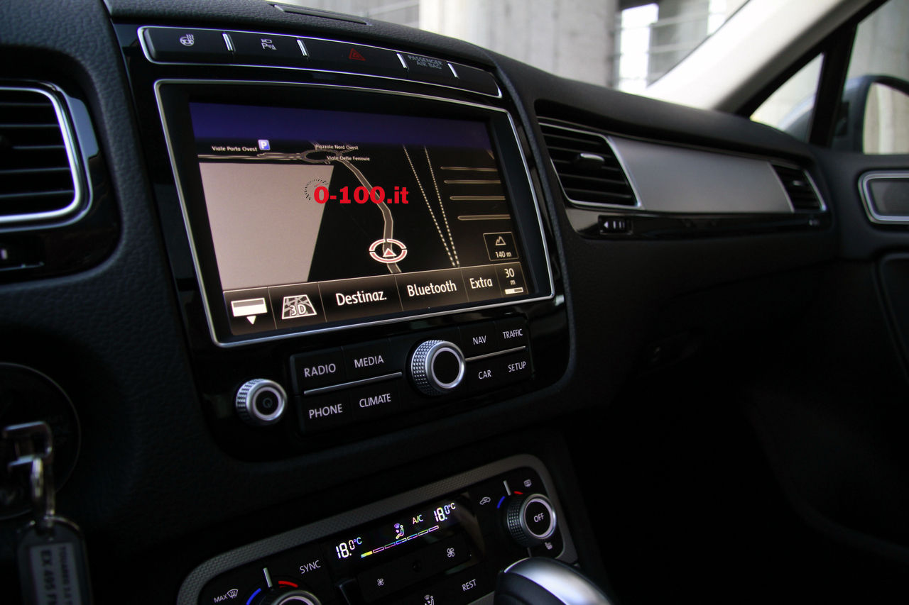 volkswagen-touareg-3000-v6-tdi-test-drive-impressioni-prova-su-strada_0-100_37