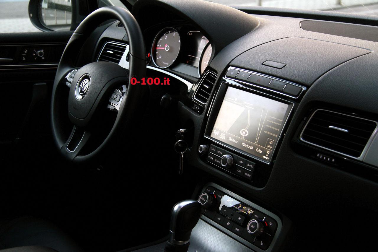 volkswagen-touareg-3000-v6-tdi-test-drive-impressioni-prova-su-strada_0-100_46