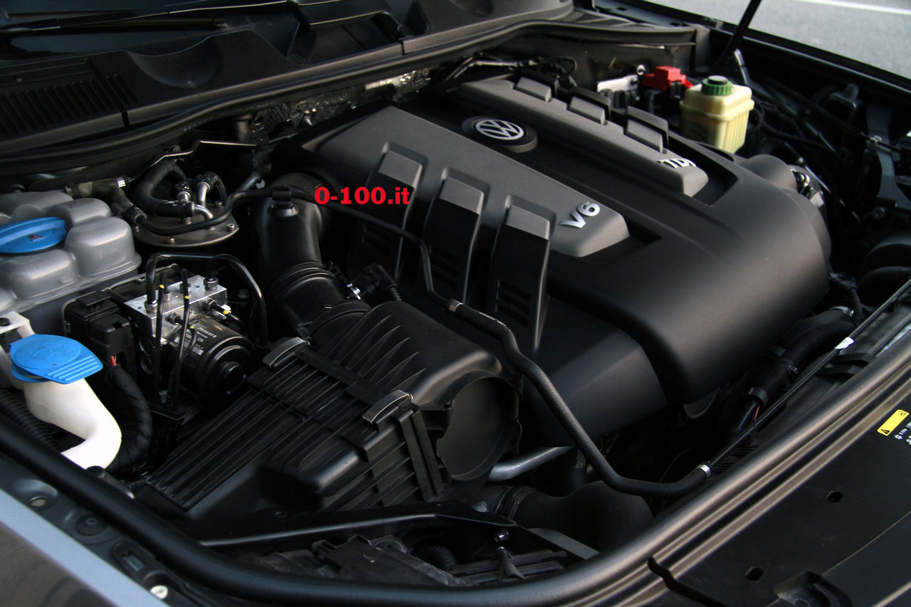 volkswagen-touareg-3000-v6-tdi-test-drive-impressioni-prova-su-strada_0-100_49