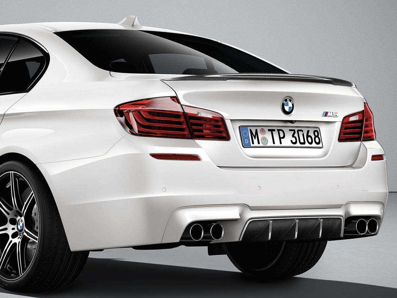 bmw-m5-competition-edition-0-100_2016_8