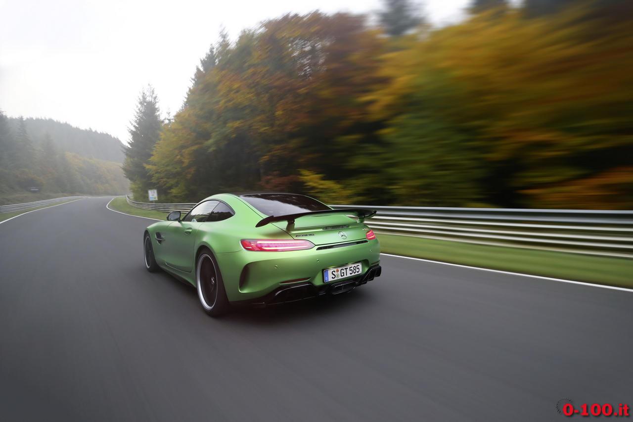 mercedes-gt-r-nurburgring-record_0-100_5