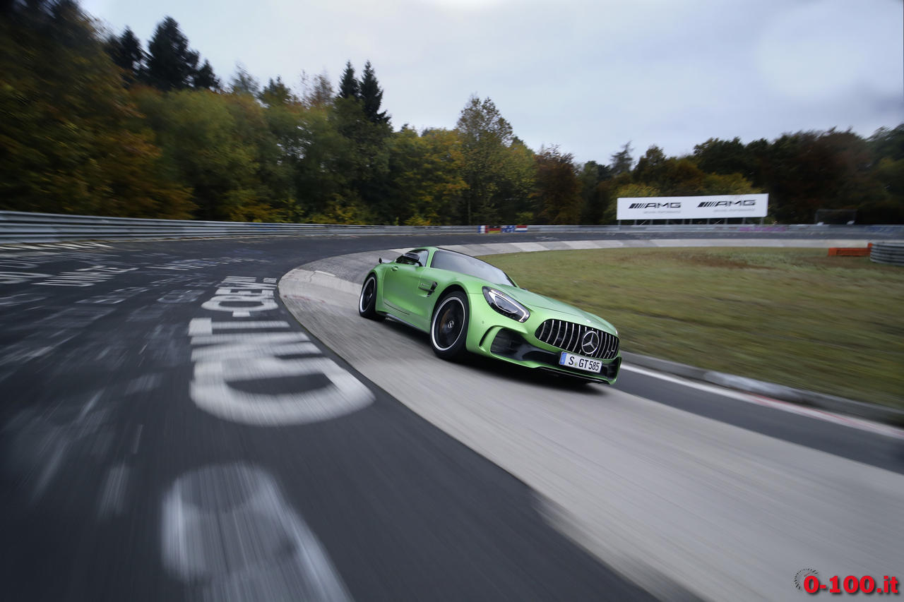 mercedes-gt-r-nurburgring-record_0-100_6
