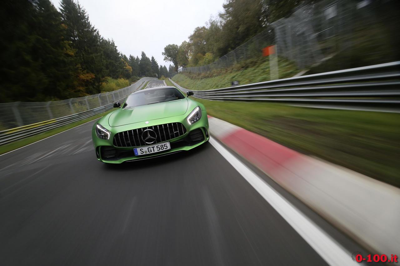 mercedes-gt-r-nurburgring-record_0-100_8