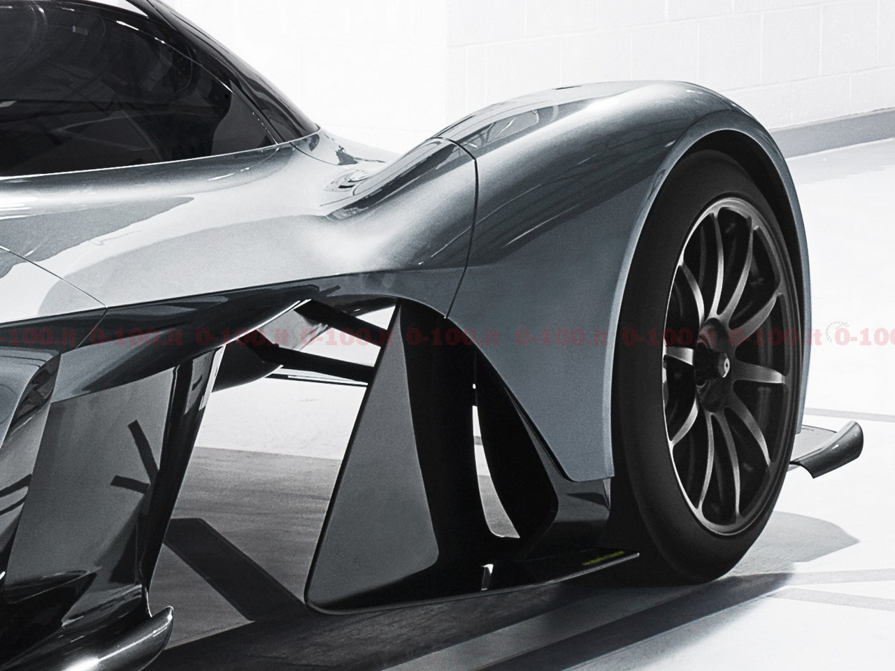 aston-martin_am-rb-001_0-100_5