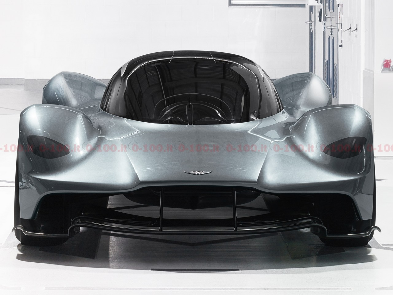 aston-martin_am-rb-001_0-100_7