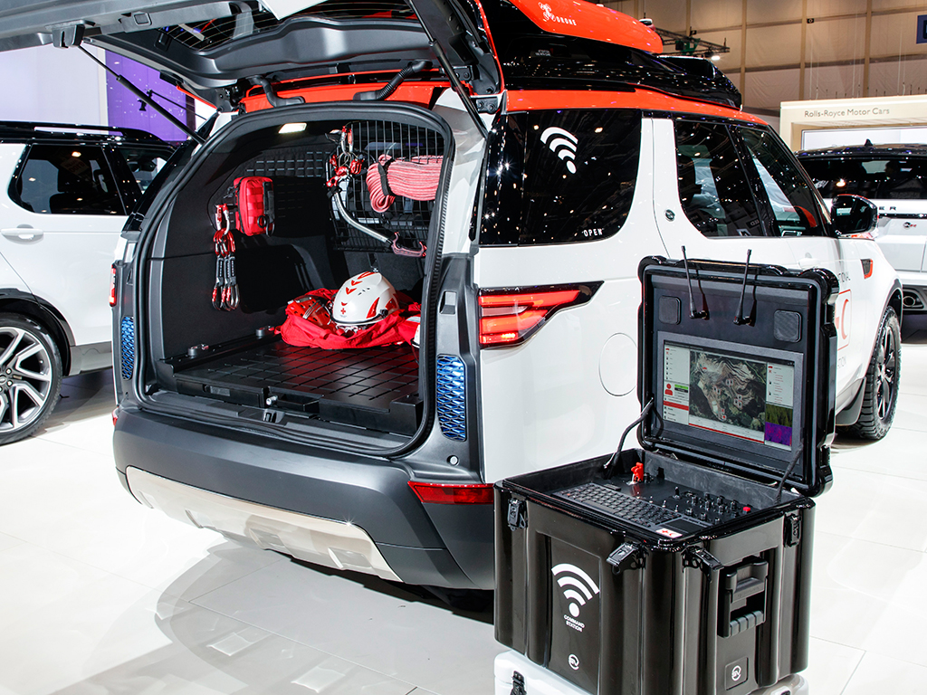 geneva-geneve-ginevra-2017-auto-show-land-rover-discovery-project-hero-0-100_2