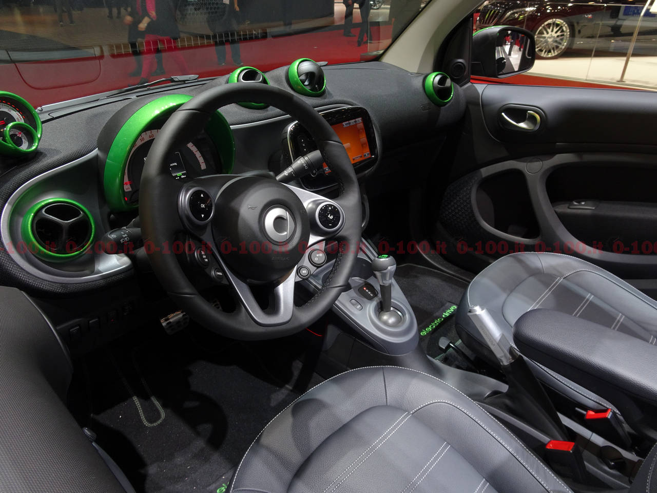 geneva-geneve-ginevra-2017-auto-show-smart-fortwo-forfour_0-100_3