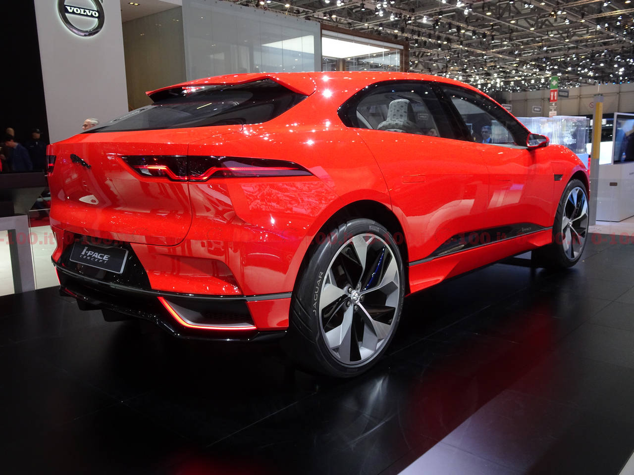 ginevra-geneva-geneve-2017_jaguar-i-pace-0-100_3